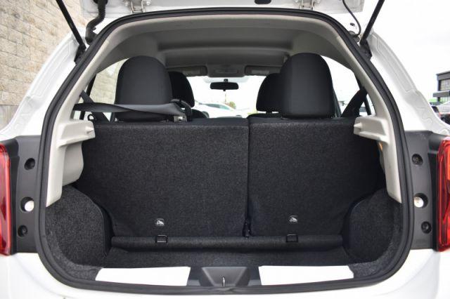 2019 Toyota Corolla Hatchback CVT  Apple CarPlay, Bluetooth, Back Up Cam!