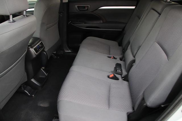 2019 Toyota HIGHLANDER LE V6 Sport Utility