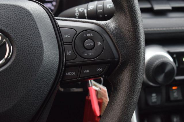 2019 Toyota RAV4 AWD LE    HEATED SEATS   LANE ASSISIT  