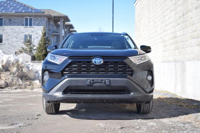 2019 Toyota RAV4 Hybrid XLE    AWD   SUNROOF