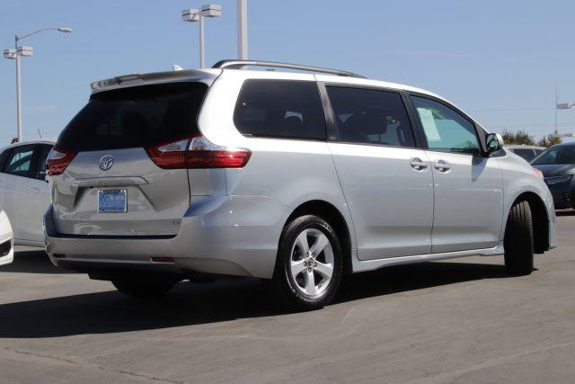 2019 Toyota SIENNA LE Passenger Van