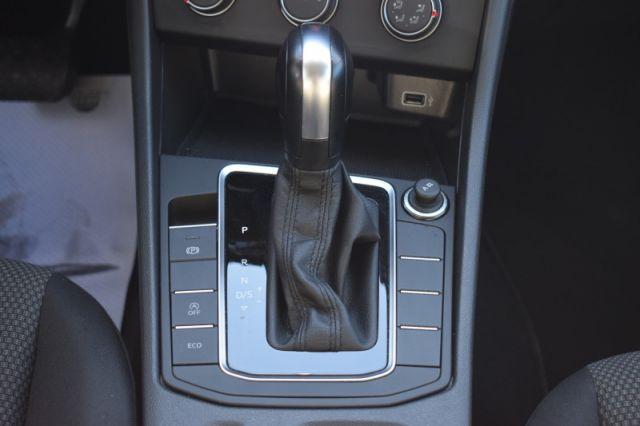 2019 Volkswagen Jetta Comfortline Auto    HEATED SEATS   BACK UP CAM  