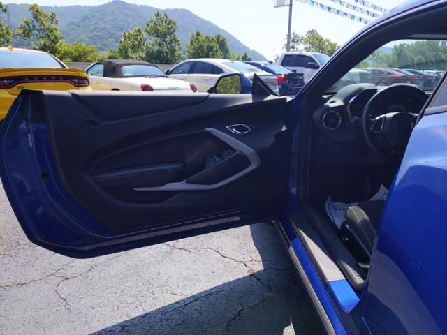 2020 Chevrolet Camaro 2dr Cpe 1LT