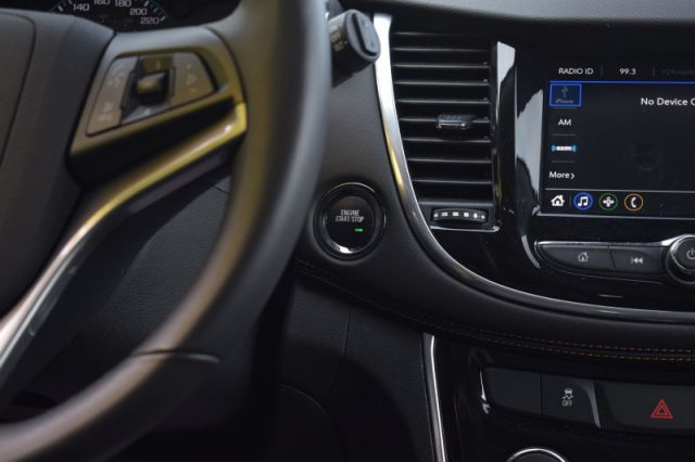2020 Chevrolet Trax Premier  AWD | LEATHER SEATS | HEATED SEATS | BACK UP CAM | SUNR