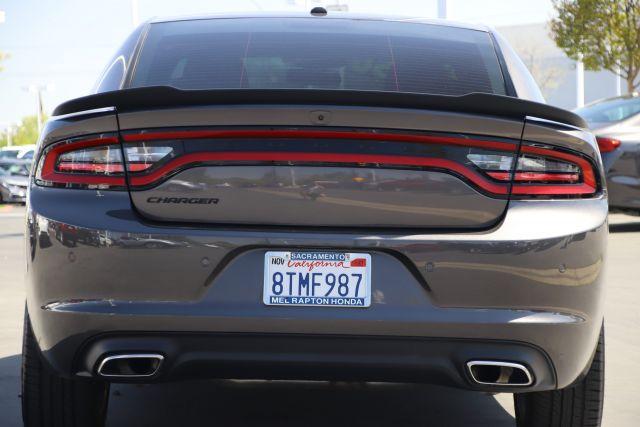 2020 Dodge Charger SXT Sedan