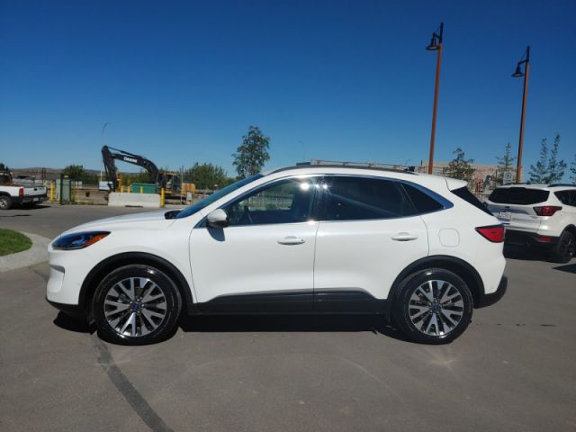 2020 Ford Escape Titanium  FORD EXECUTIVE DEMO|RATES 1.99 UP TO 72 MONTHS OAC