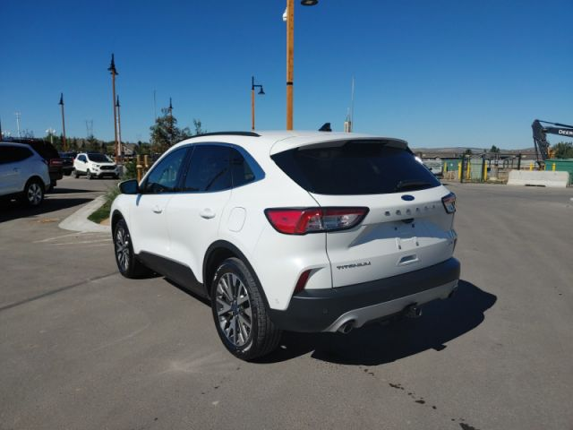 2020 Ford Escape Titanium  FORD EXECUTIVE DEMO RATES 1.99 UP TO 72 MONTHS OAC