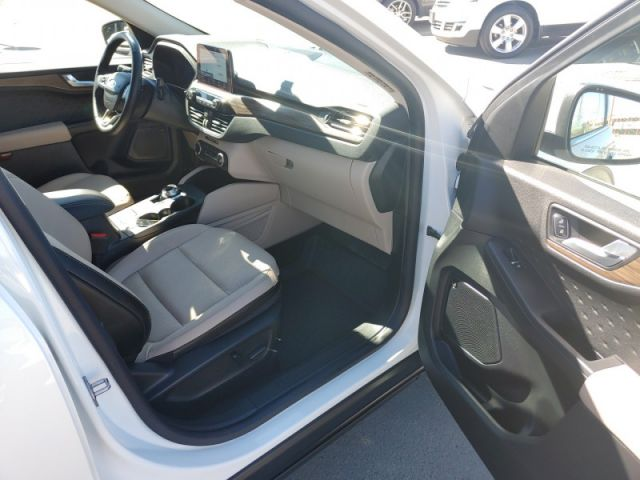 2020 Ford Escape Titanium  FORD EXECUTIVE DEMO|RATES 1.99 % OAC