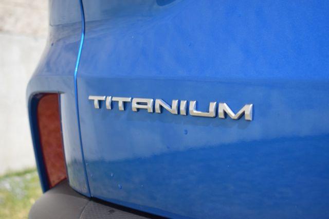 2020 Ford Escape Titanium  | NAV | DUAL CLIMATE |