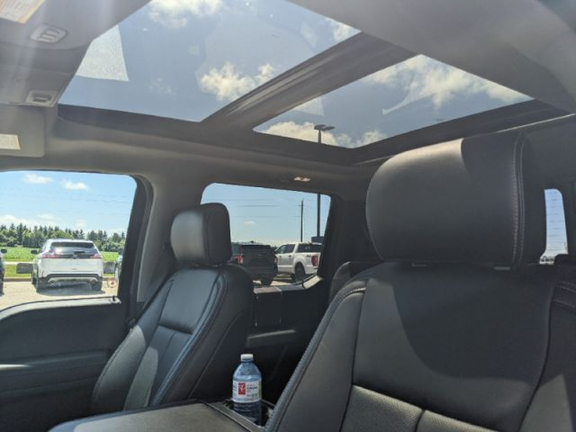 2020 Ford F-150 Lariat   Lariat Chrome Package- 502A Package- Twin Panel Moonroo