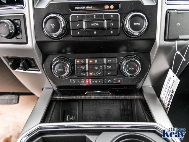 2020 Ford F-250 Super Duty Lariat  - Leather Seats