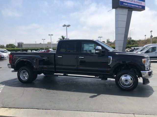 2020 Ford Super Duty F-350 DRW LARIAT 4WD Crew Cab 8 Box