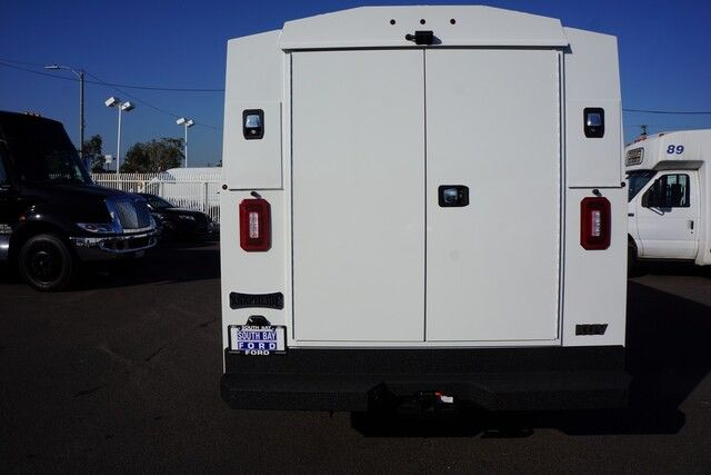 2020 Ford Transit Cutaway 2020 Ford Transit Cutaway w/ KUV