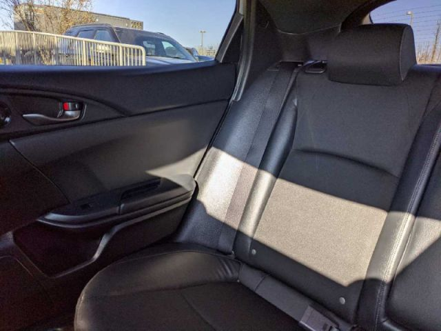 2020 Honda Civic Hatchback Sport 6MT   2 YEARS / 40,000KMS EXTENDED POWERTRAIN WARRANTY INC