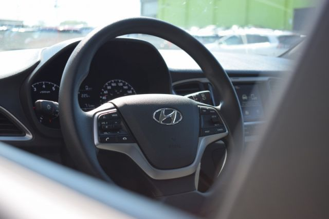 2020 Hyundai Accent Preferred IVT  - Heated Seats