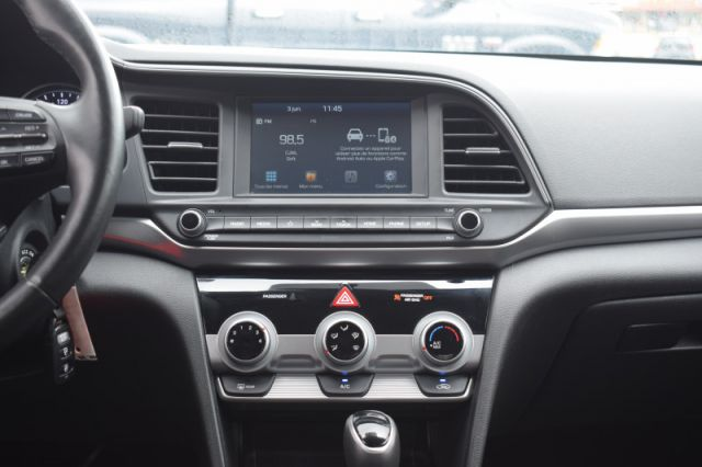 2020 Hyundai Elantra Preferred IVT    HEATED SEATS   BACK UP CAM  