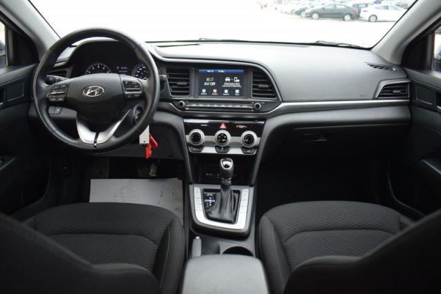 2020 Hyundai Elantra Preferred IVT  | HEATED SEATS & WHEEL | BACK UP CAM |