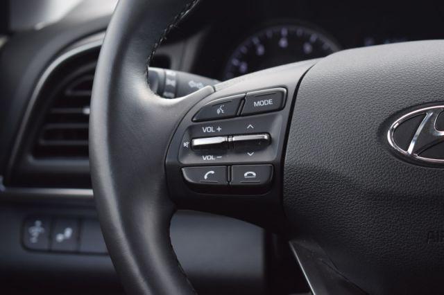 2020 Hyundai Elantra Preferred IVT  | HEATED SEATS & WHEEL | BACK UP CAM