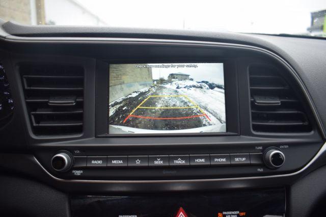 2020 Hyundai Elantra Preferred IVT    BLIND SPOT MONITORING   HEATED SEATS & WHEEL
