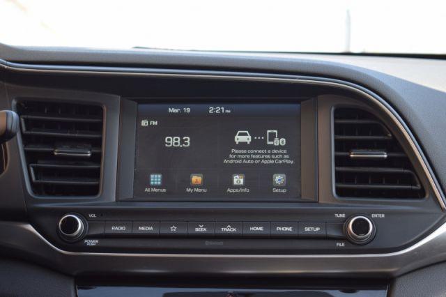 2020 Hyundai Elantra Preferred IVT  | HEATED SEATS & WHEEL |