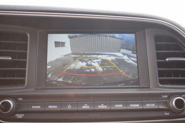 2020 Hyundai Elantra Preferred IVT  | HEATED SEATS | BACK UP CAM
