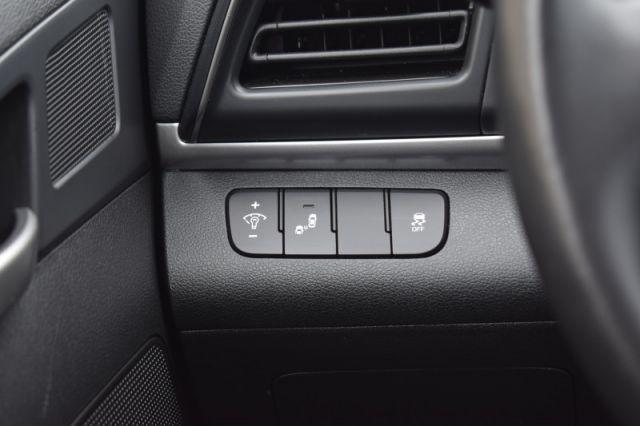 2020 Hyundai Elantra Preferred IVT  | HEATED SEATS & WHEEL | APPLE CARPLAY & ANDROID