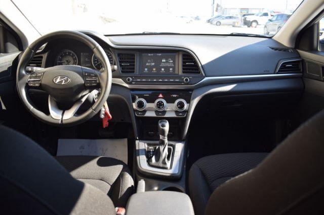 2020 Hyundai Elantra Preferred IVT    HEATED SEATS & WHEEL   BACK UP CAM  