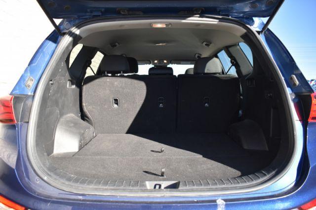 2020 Hyundai Santa Fe 2.4L Essential AWD w/Safety Package    HEATED SEATS   HEATED WHE