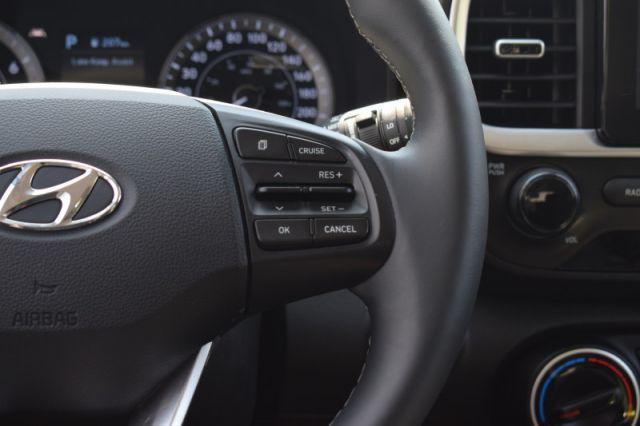 2020 Hyundai Venue Preferred  | HEATED SEATS & WHEEL |