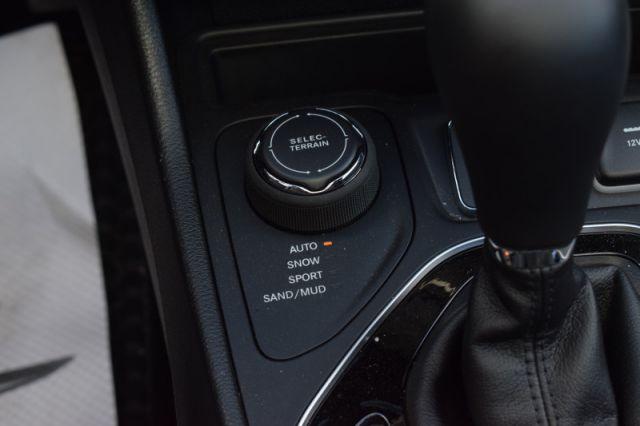 2020 Jeep Cherokee Altitude  | MOONROOF | DUAL CLIMATE |