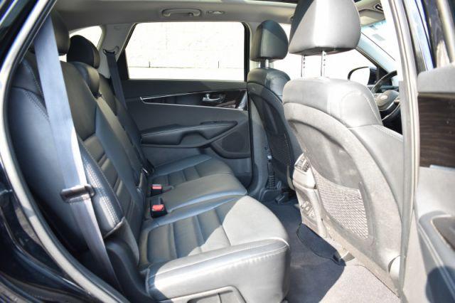 2020 Kia Sorento EX  AWD, Leather, 7 Pass, Roof, V6!