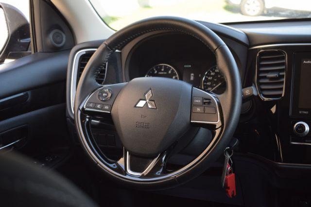 2020 Mitsubishi Outlander ES  | HEATED SEATS | DUAL CLIMATE |