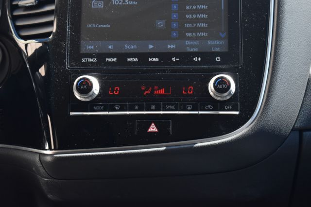 2020 Mitsubishi Outlander ES  | BACK UP CAM | 3RD ROW |