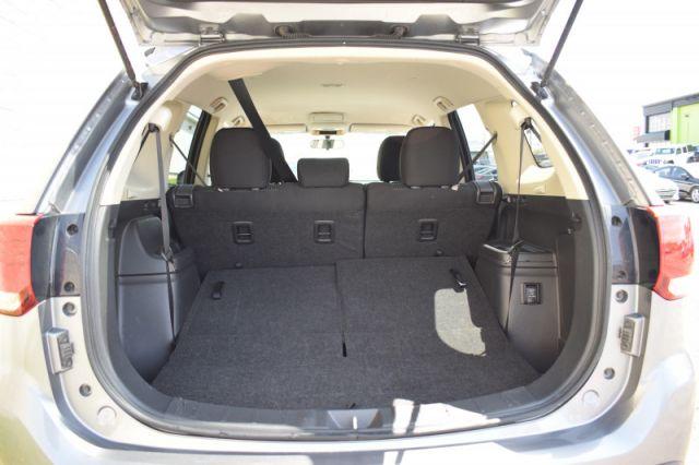 2020 Mitsubishi Outlander ES  | AWD | HEATED SEATS |