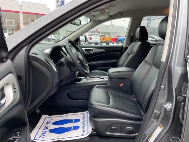 2020 Nissan Pathfinder 4x4 SL