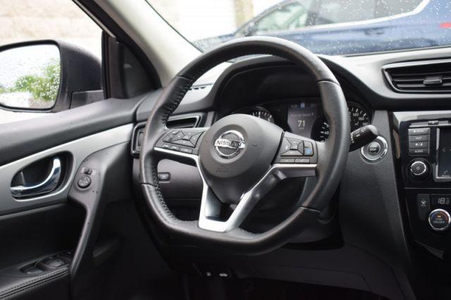 2020 Nissan Qashqai AWD SL    NAV   LEATHER   SUNROOF  