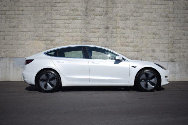 2020 Tesla Model 3 Standard Range Plus RWD  | GLASS ROOF | DUAL CLIMATE | NAV |