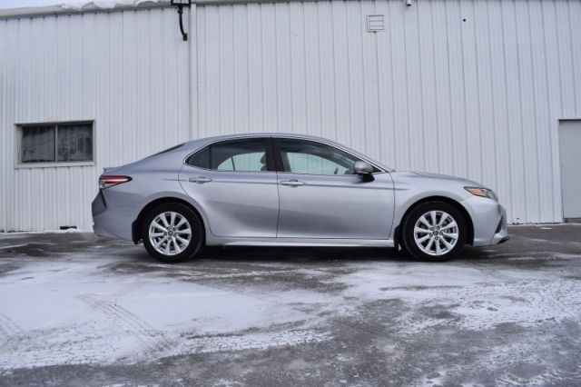 2020 Toyota Camry SE  | HEATED SEATS | LANE ASSIST