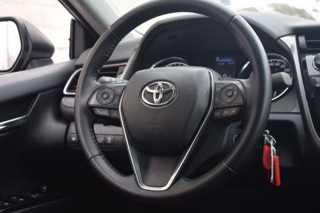 2020 Toyota Camry SE  | HEATED SEATS | BACK UP CAM