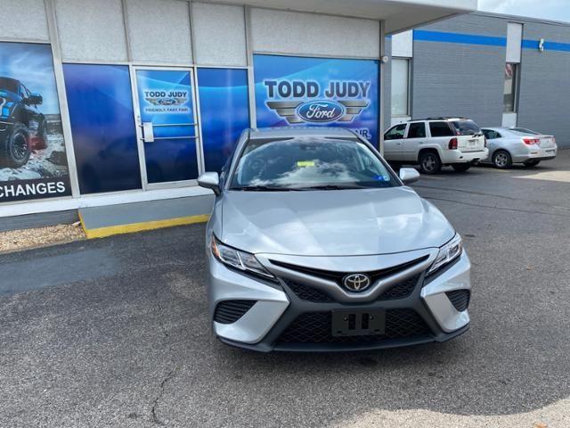 2020 Toyota Camry SE Auto
