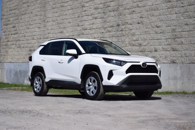 2020 Toyota RAV4 LE AWD  | HEATED SEATS | LANE ASSIST |
