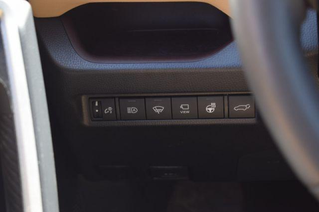 2020 Toyota RAV4 Limited  | AWD | LEATHER | SUNROOF |