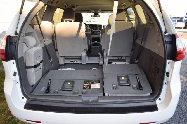 2020 Toyota Sienna LE 8-Passenger  | POWER SLIDING DOORS | LANE ASSIST