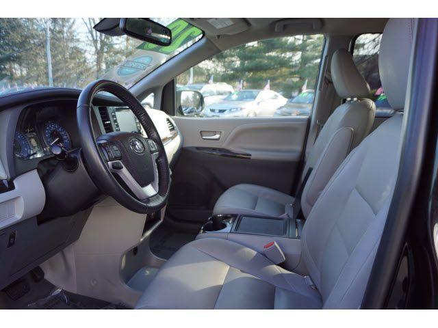 2020 Toyota Sienna XLE 8-Passenger