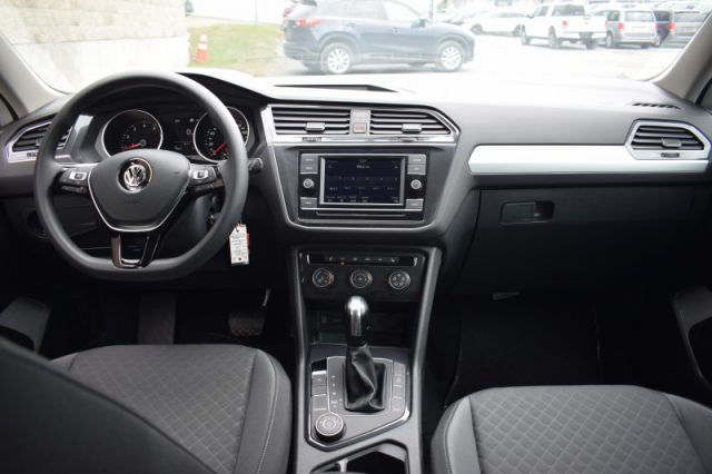 2020 Volkswagen Tiguan Trendline 4MOTION  AWD   APPLE CAR PLAY & ANDROID AUTO   HEATED