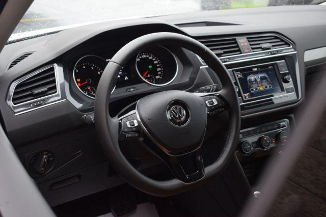 2020 Volkswagen Tiguan Comfortline    LEATHER   DUAL CLIMATE  