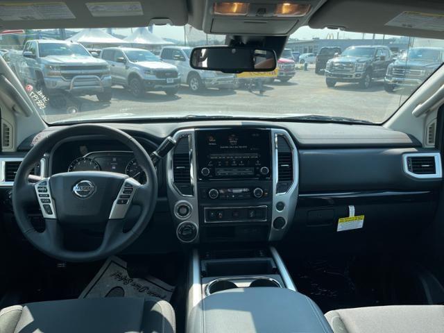 2021 Nissan Titan 4x4 Crew Cab SV