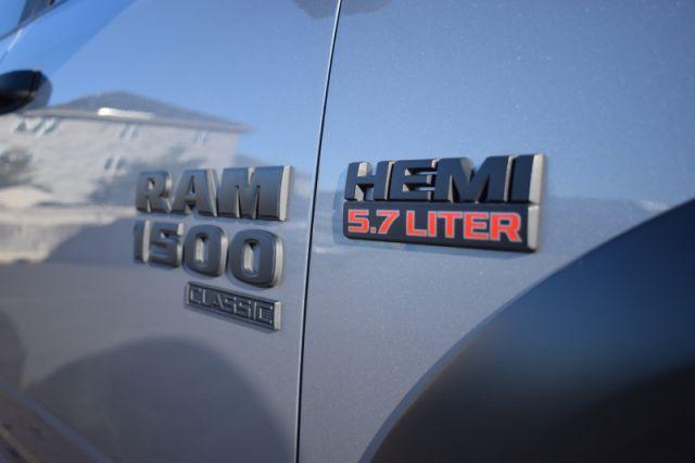 2021 Ram 1500 Classic Warlock    DUAL CLIMATE   HEATED SEATS & WHEEL  